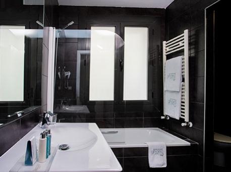 Hotel-Balneario-Alhama-de-Aragon-bano-458-340