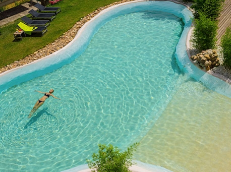 Hotel-Balneario-Alhama-de-Aragon-piscina-458-340